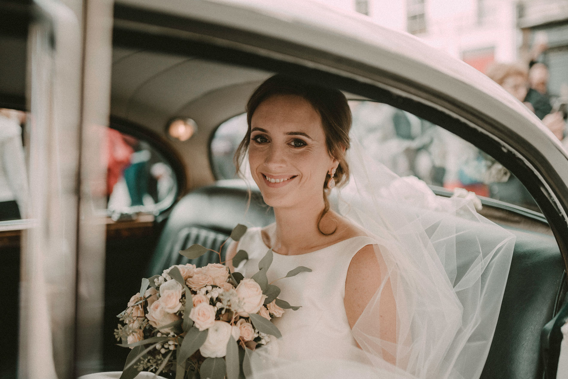 the bride arriving in the car
